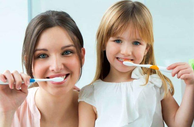 Medicul Maria Nicoara raspunde: cand trebuie adus copilul la prima consultatie stomatologica?