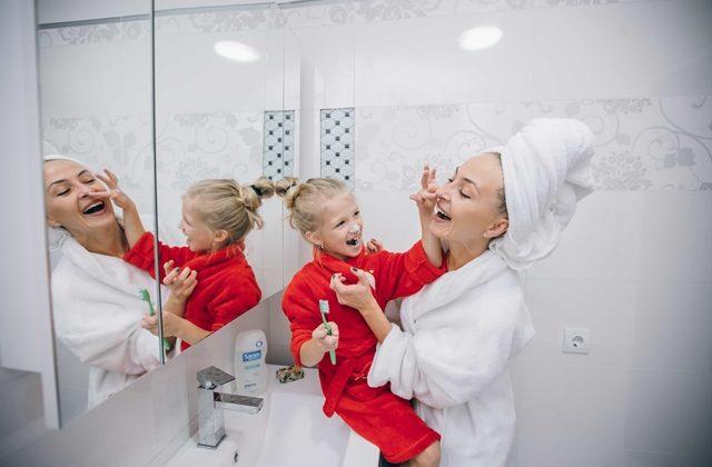 Medicul Maria Nicoara raspunde: cum convingem copilul sa se spele pe dinti?